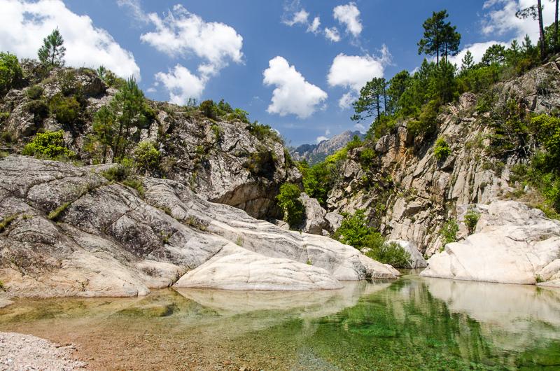 Vasques naturelles sur le cours du Cavu