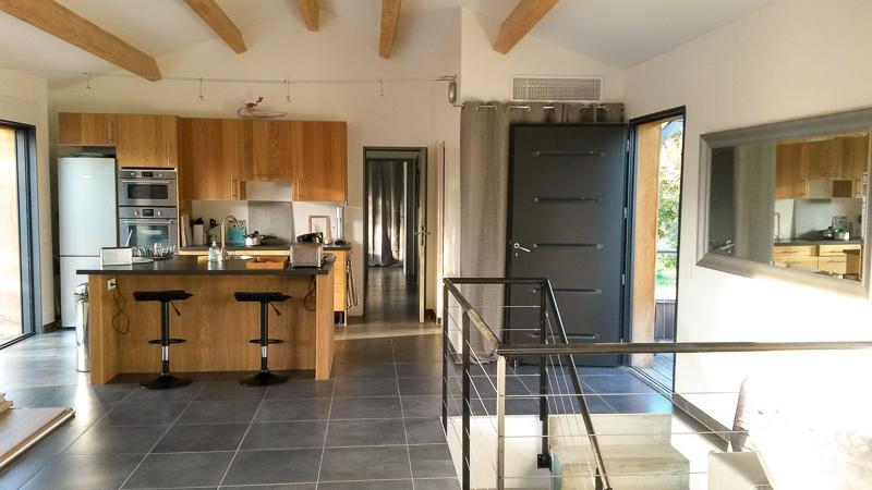 Villa étage salon et cuisine